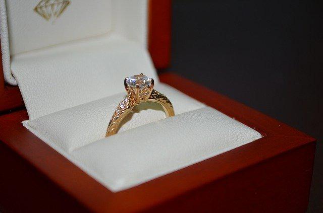 富士見市ダイヤモンド買取