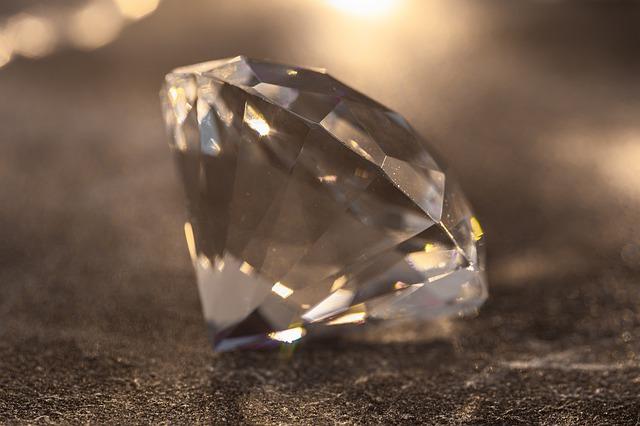 鴨川市ダイヤモンド買取